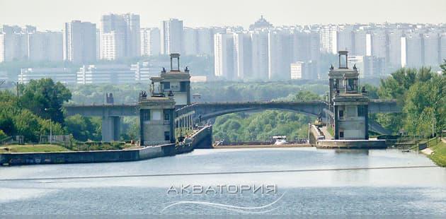 На яхте по Москве-реке